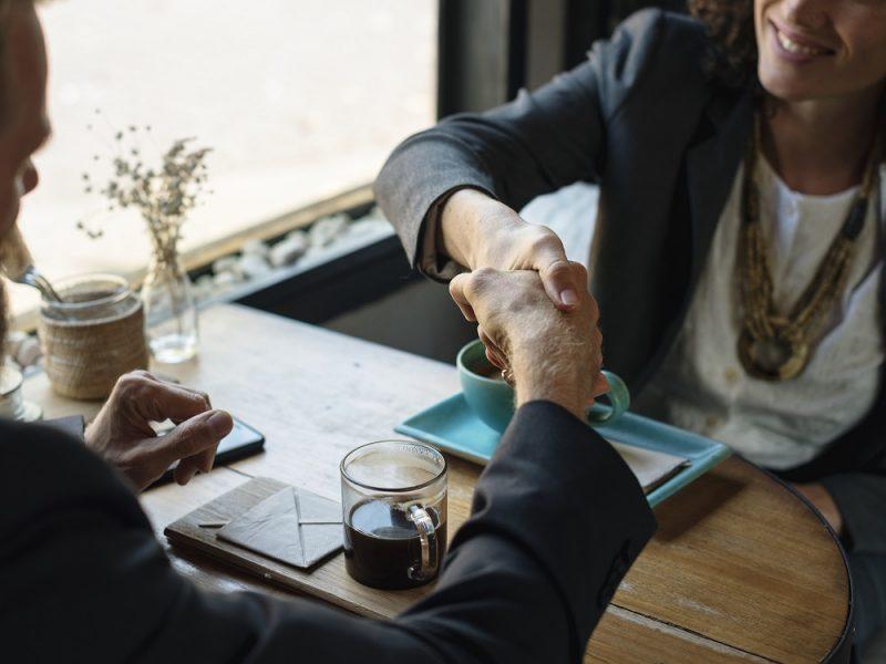 Umowa kredytowa, spotkanie, ekspert finansowy Poznań